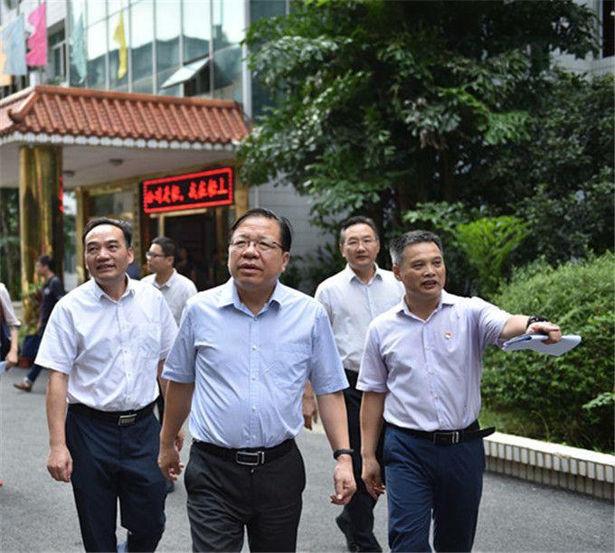 自治区党委常委、常务副主席秦如培到 乐虎国际娱乐app下载院调研